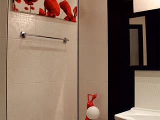 Дизайн Двухуровневой квартиры: Ванные комнаты в . Автор – Студия Дизайна Интерьера ART ROOM