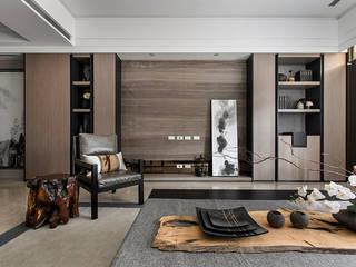 Living room by 辰林設計, Asian