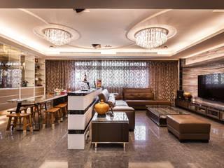 Espaços comerciais modernos por 好室佳室內設計 Moderno