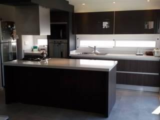Dapur oleh Estudio A+I, Modern