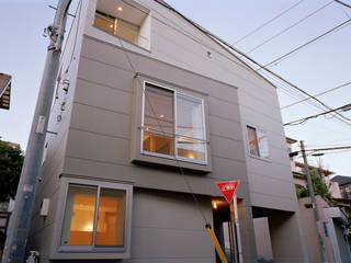 戸越銀座の住宅: 山下大輔建築設計事務所が手掛けた一戸建て住宅です。,