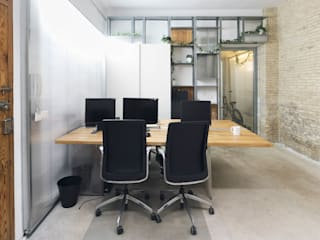 Mediterranean style study/office by Eseiesa Arquitectos Mediterranean