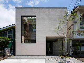 土間と縦庭の家: TRANSTYLE architectsが手掛けた木造住宅です。