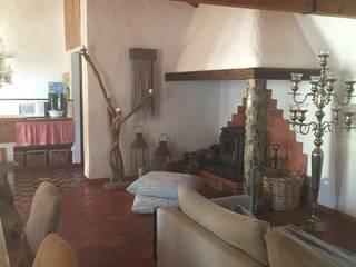 Monte Alentejo Salas de estar modernas por Officina Boarotto Moderno