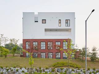 바라봄: TODOT 의  주택,모던