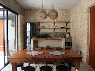 CO-TA ARQUITECTURA Rustic style kitchen