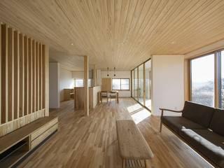 Salas / recibidores de estilo  por m・style 一級建築士事務所, Moderno