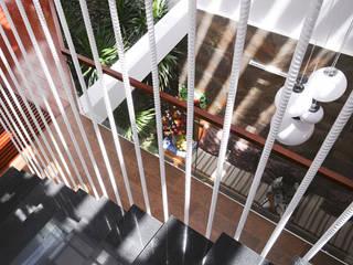Thiết Kế Nhà Ống 3 Tầng Hướng Nội, Chan Hòa Với Thiên Nhiên bởi Công ty TNHH Xây Dựng TM – DV Song Phát Hiện đại
