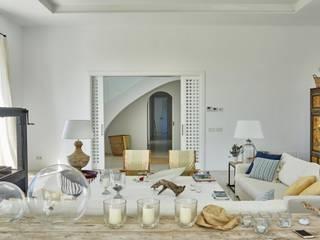 Casa de verano II:  de estilo  de Madariaga & Brujó
