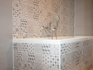 Bathroom by Agence ADI-HOME, Classic