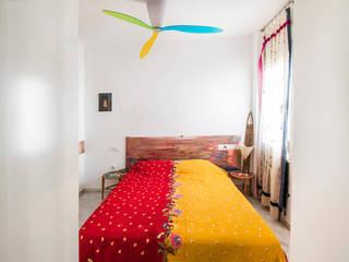 Modern style bedroom by Las Casas de Iridella Modern