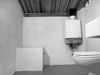Casa Uras Baños de estilo moderno de Las Casas de Iridella Moderno