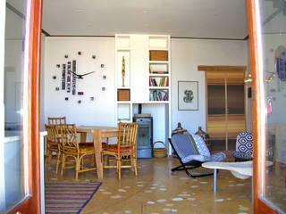 Casa Uras Salones de estilo moderno de Las Casas de Iridella Moderno
