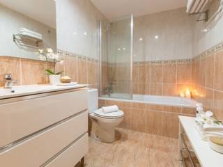 Proyecto Sarrià de Ter Baños de estilo moderno de Redecoram Home Staging Moderno