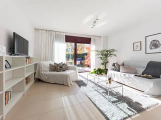 Proyecto Anglès Salones de estilo moderno de Redecoram Home Staging Moderno