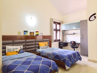 kids bed:  Bedroom by Team Kraft