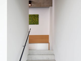 Stairs by Architekturbüro zwo P, Modern