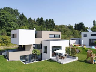 Single family home by Architekturbüro zwo P, Modern