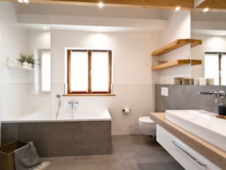 Rustic style bathrooms by Banovo GmbH Rustic