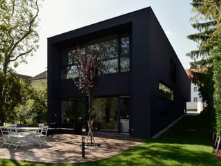 Gartenansicht:  Häuser von Architekt Zoran Bodrozic