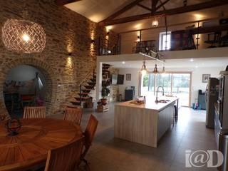 Granges en maison d'habitation - Atelier k.lam: Cuisine de style de style Moderne par atelier klam