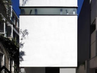 de 石川淳建築設計事務所 Minimalista
