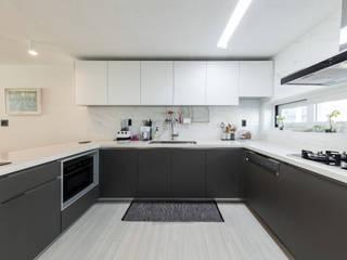 압구정미성아파트: 한디자인 / HAN DESIGN의  주방