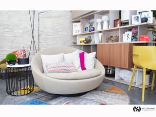 Showroom :   por MY STUDIO HOME - Design de Interiores