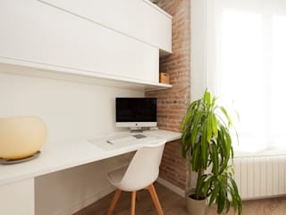 Sincro Scandinavian style study/office Engineered Wood White