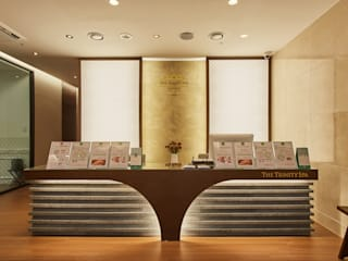 THE TRINITY SPA_Beauty Healing Anti-aging: 한디자인 / HAN DESIGN의  스파