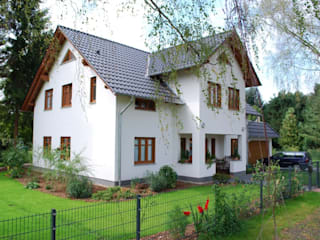 SCHOß INGENIEUR GmbH Classic style houses