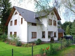 SCHOß INGENIEUR GmbH Classic style houses