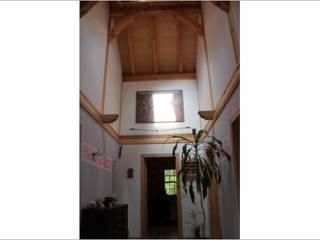SCHOß INGENIEUR GmbH Pasillos, vestíbulos y escaleras de estilo rústico