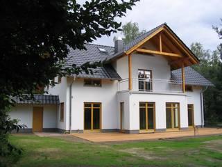 Houses by SCHOß INGENIEUR GmbH, Classic