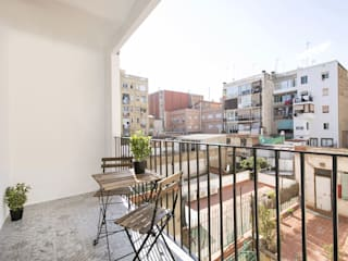 Balcones y terrazas de estilo mediterráneo de Gramil Interiorismo II - Decoradores y diseñadores de interiores Mediterráneo