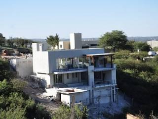 Casa La rufina Casas modernas: Ideas, imágenes y decoración de f$Mac Moderno
