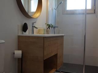 rénovation Pied à terre de bord de mer Salle de bain scandinave par Backhome Scandinave