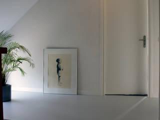 PU-Gietvloer als Basis voor een Tijdloos Interieur :  Gang en hal door Motion Gietvloeren, Modern