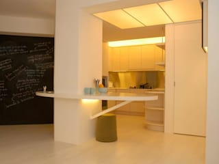 Park Towers:  Kitchen by Clifton Leung Design Workshop, Modern