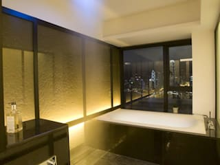 The Harbour Side:  Bathroom by Clifton Leung Design Workshop, Modern