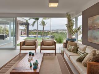 Área Externa:   por Villa Rattan,Moderno