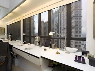 Vantage Park:  Study/office by Clifton Leung Design Workshop, Modern