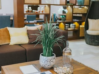 MTB House Living Innovations Design Unlimited, Inc. Living room