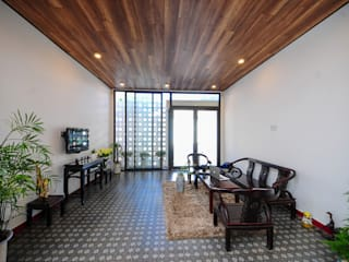 Wohnzimmer von Công ty TNHH Xây Dựng TM – DV Song Phát, Modern