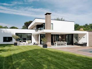 Achteraanzicht:  Villa door BB architecten