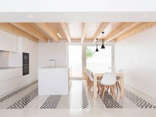 House SW Oleh Estudio ODS Minimalis