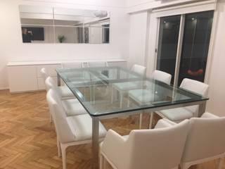 Mesa y sillas de comedor: Livings de estilo  por Nestorcahu