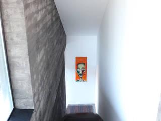 Casa do Vale dos Sobreiros: Escadas  por Hugo Pereira Arquitetos
