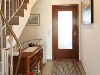 Eingang vorher:   von Home Staging Cornelia Reichel
