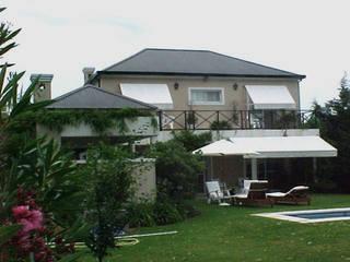 Casa ML de Estudio D3B Arquitectos Clásico